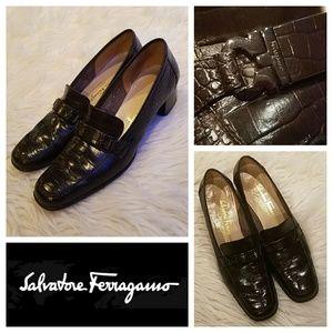 Exquisite $695 FERRAGAMO Alligator Loafer Heels